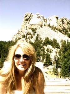 Chloe no Monte Rushmore