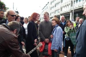 Conversando com fãs na Grafton Street
